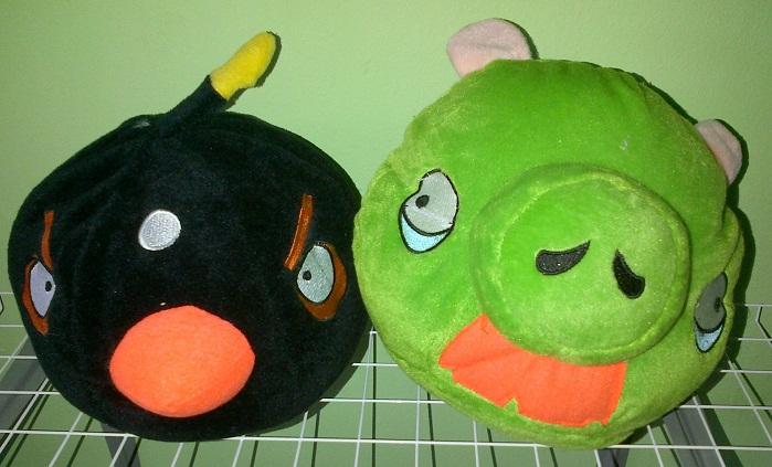 Boneka Angry Bird Size L