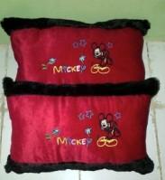 Bantal Cinta Mickey Mouse