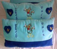 Bantal Cinta Donald Duck
