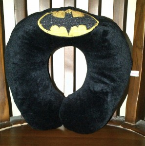 Bantal Leher Batman
