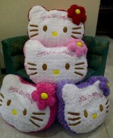 Bantal Jumbo Hello Kitty